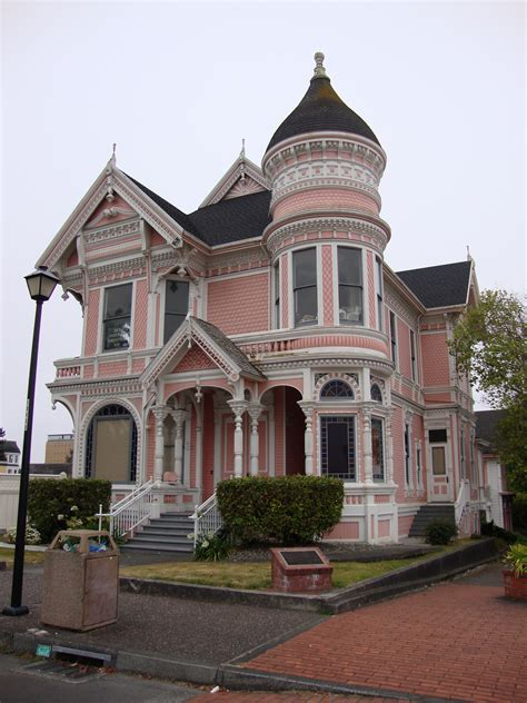 buying an old house painted ladies i heart old houses