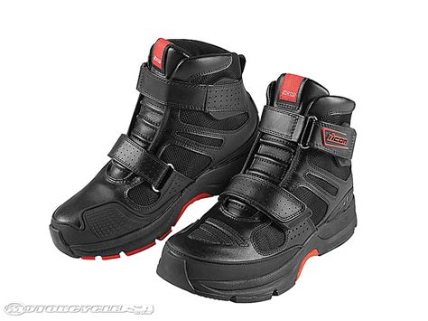 motorcycle boots that look like shoes looking to get some summer boots any suggestions
