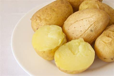 cocinar patatas cocidas patatas al microondas recetas de esc 225 ndalo