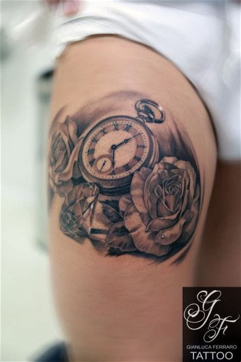 tattoo old school napoli 25 best ideas about rose tatuaggio braccio su pinterest