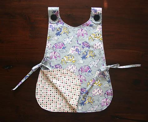 pattern for an art smock diy kids art smock paperblog