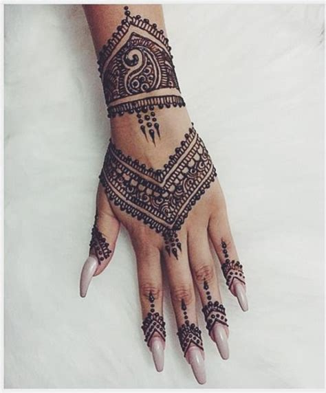 henna tattoo on hand tumblr laylamashallah henna designs hennas