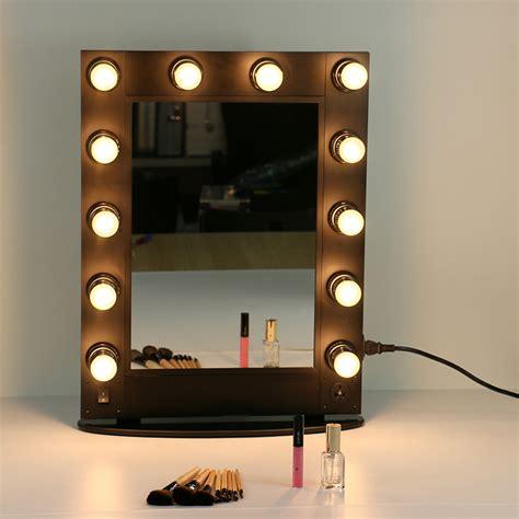 Cermin Make Up Artist sempre na moda excesso de maquilhagem