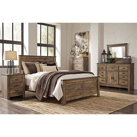rustic casual contemporary  piece king bedroom set trinell rc willey furniture store