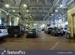 picture of car repair garage