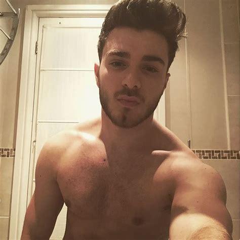 shower selfie after me on instagram