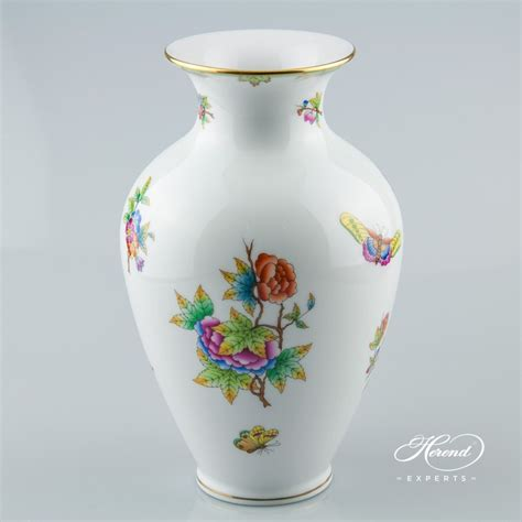 Vase   Queen Victoria   Herend Experts