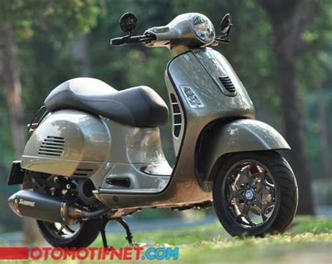 Vespa Italia Modifikasi by 25 Best Ideas About Vespa Gts On Vespa 300