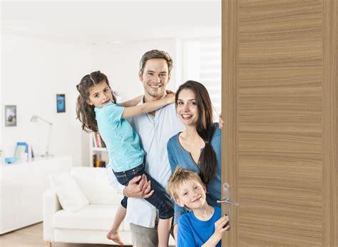 Family Door by Family Door Ad Homestay English306x256 Family Door Quot Quot Sc