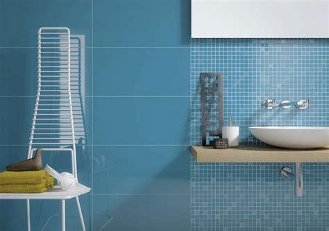 colore bagno bagni piastrelle con il colore e le pareti della