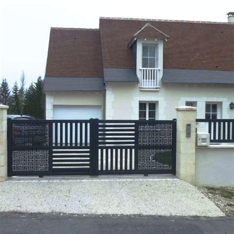 Portail De Maison Moderne by Mur De Cl 244 Ture Portail Portillon Les Jardins De La Vall 233 E