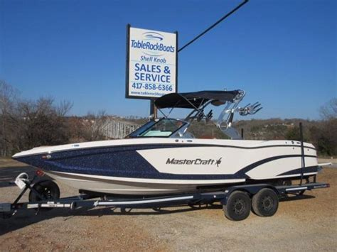 tow boat reviews mastercraft 255v tow boat for grownups boats