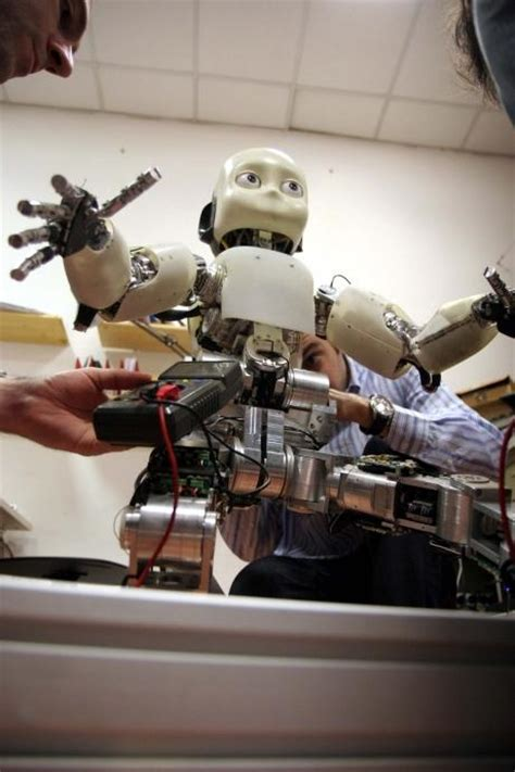 film robot qui devient humain icub le petit robot qui devient humain d 233 couvrez les images