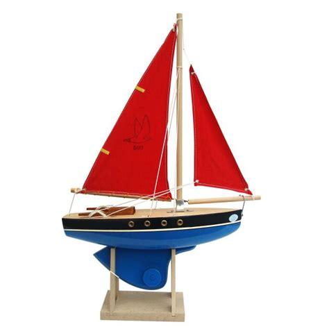 sailing boat handmade in tirot sail
