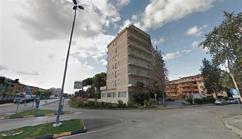 hotel porto recanati 2 stelle raccolta firme per fer quot blindare quot l ex hotel royal porto