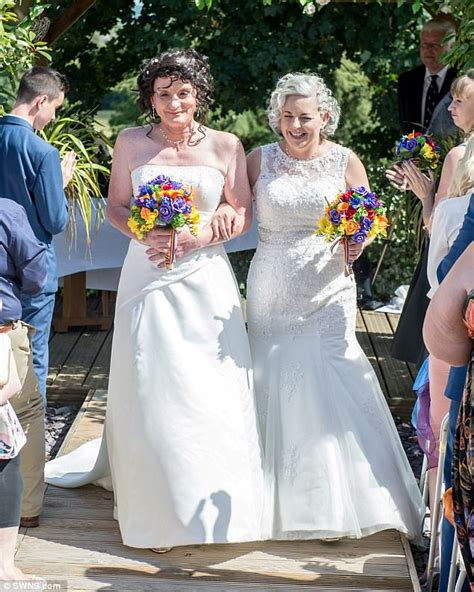 transgendered female bridesmaids transgender bride renews her vows as a woman daily mail