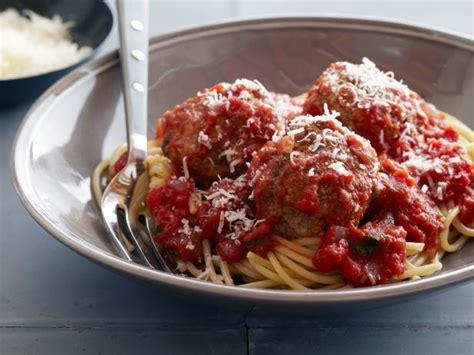 amy s new kitchen ina garten s macaroni and cheese real meatballs and spaghetti recipe ina garten food