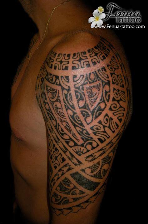 tahitian tattoo tattoo polyn 233 sien tribal sur le mollet pin galerie tatouage tribal taureau symbole pictures on