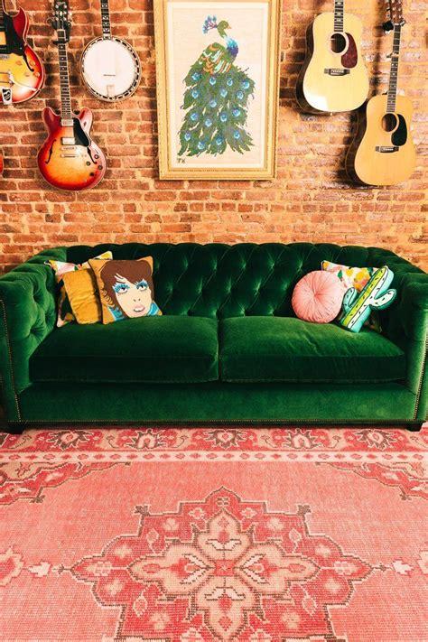 green velvet tufted sofa 30 lush green velvet sofas in cozy living rooms green