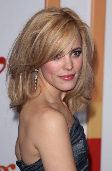 rachel thinning hair more pics of rachel mcadams medium layered cut 4 of 17