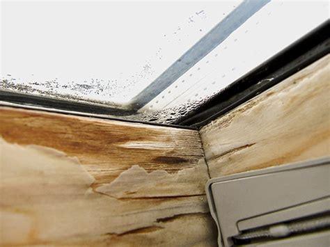 Dachfenster Renovieren by Dachfenster Lasieren Lackieren Bei Wasserschaden Haus