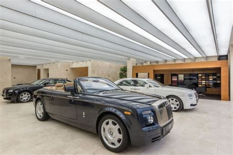 rolls royce store rolls royce to open unique new boutique in bangkok