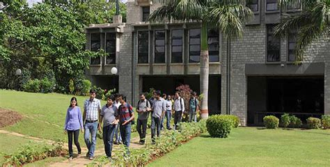 Iim Bangalore Cut 2017 For Mba by Cost Soars At Top Indian B School