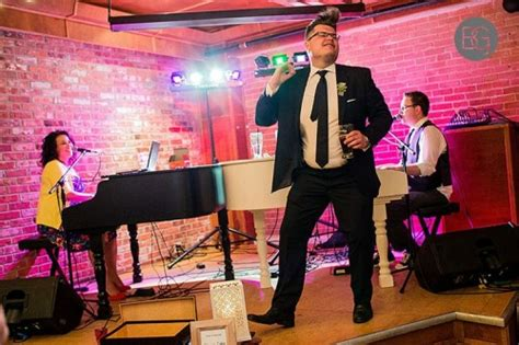 Dueling Pianos Wedding Reception Entertainment by 15 Foolproof Wedding Reception Ideas