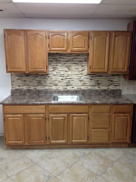 kitchen backsplash ideas with oak cabinets black granite counter oak hickory wood kitchen