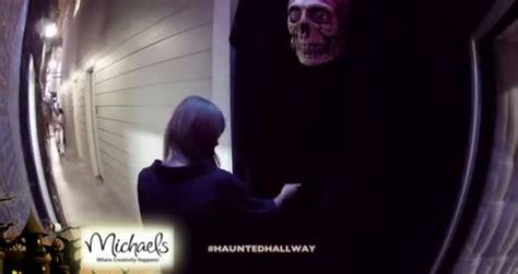 ellen haunted house 2012 taylor swift in the haunted hallway on the ellen show 2012 videos metatube