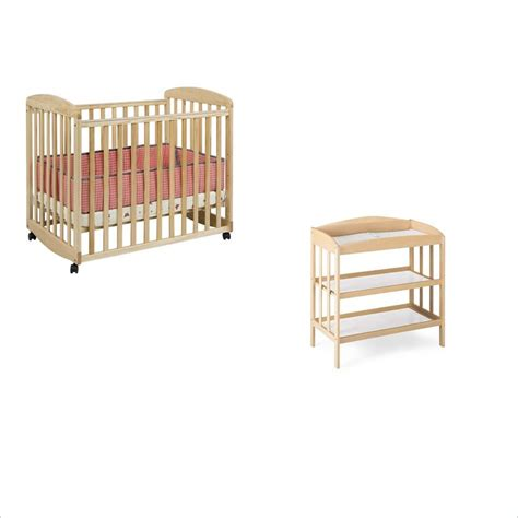 Davinci Alpha Mini Rocking Crib Davinci Alpha Mini Rocking Mobile Wood Baby Crib Set With Changing Table In M0598n