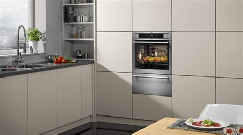 electrolux debuts oven  wifi camera  reviewed