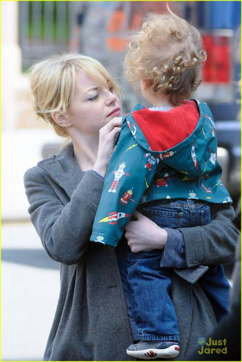 emma stone child emma stone andrew garfield the amazing baby sitters