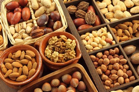 best healthy nuts top 10 healthy nuts and seeds you should eat every day