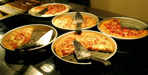 6 Things You Must Know About Pizza Hut S Lunch Buffet Pizza Lunch Buffet Near Me