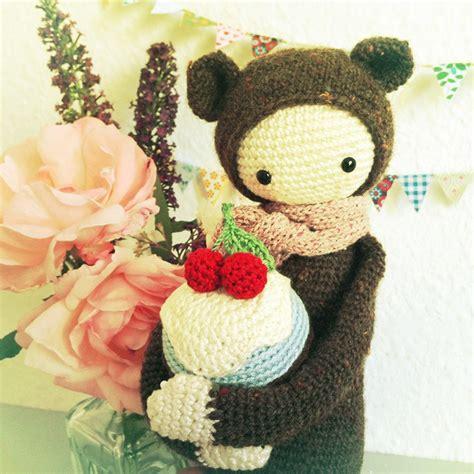 fox 2nd theme song shake yo lalylala 187 birthday cupcakes a free lalylala crochet pattern