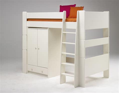 hochbett mit integriertem schrank hochbett mit integriertem begehbaren kleiderschrank