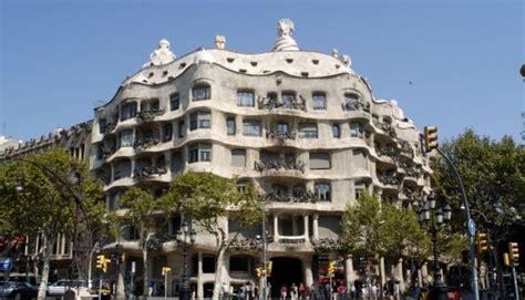 foto casa badalona la casa mila in barcelona named quot la perdrera quot by antoni gaudi
