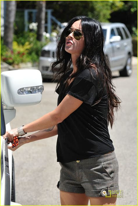 fox house full sized photo of megan fox house hunting 10 photo 2048421 just jared
