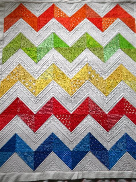 Chevron Pattern Quilts by Sew Of Wonderful S Chevron Quilt