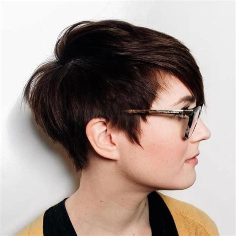 pixie cuts for round faces over 50 25 best ideas about edgy pixie haircuts on pinterest