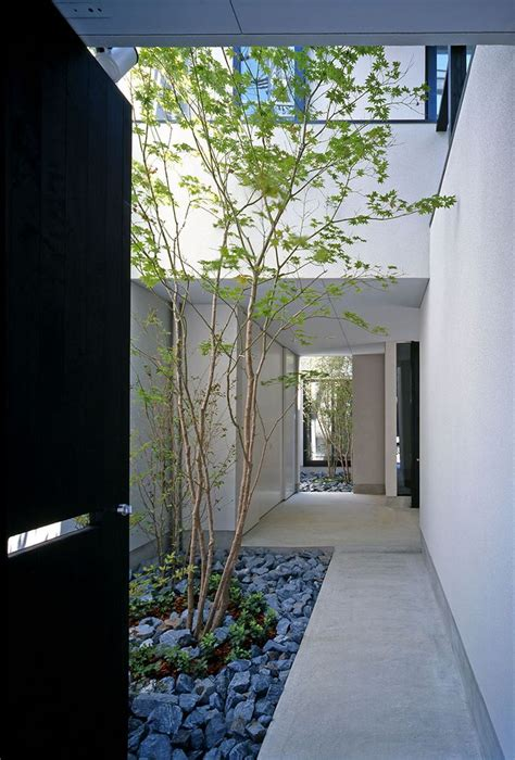 courtyard house plans pinterest home decor minimalist courtyard design private house in japan my
