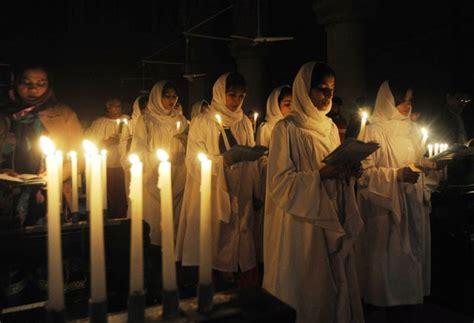 celebrating christmas  pakistan