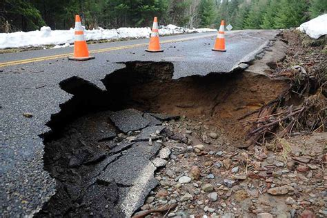 when will florida sink falling into a in the ground home sinkhole dangers