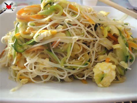 cucinare cinese a casa ricette cucina cinese spaghetti di riso idea di casa