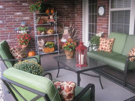 how to decorate a patio 40 cozy fall patio decorating ideas digsdigs