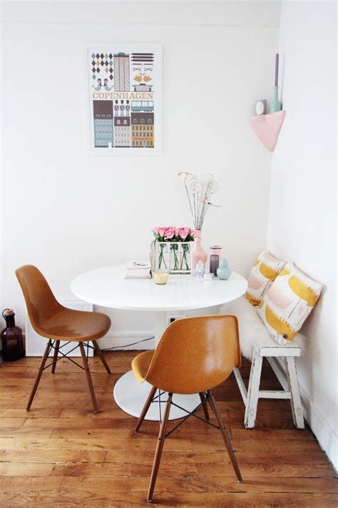 small dining room tables 25 best ideas about tiny dining rooms on pinterest