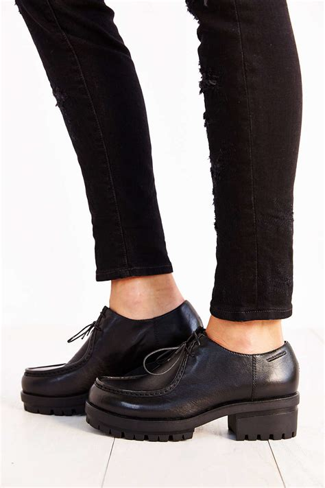 vagabond oxford shoes lyst vagabond leather oxford in black