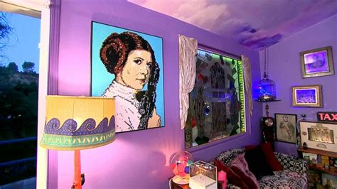 carrie fisher s home exclusive live look inside carrie fisher s memorabilia