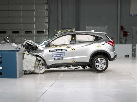 Honda Crv Crash Tests by 2016 Honda Hr V Moderate Overlap Iihs Crash Test